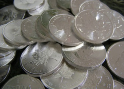 Why Investing In Silver Is Vastly Superior To Investing In Gold Right Now